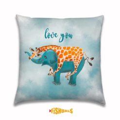 Buitenkussen met Olifant en Giraffe love you